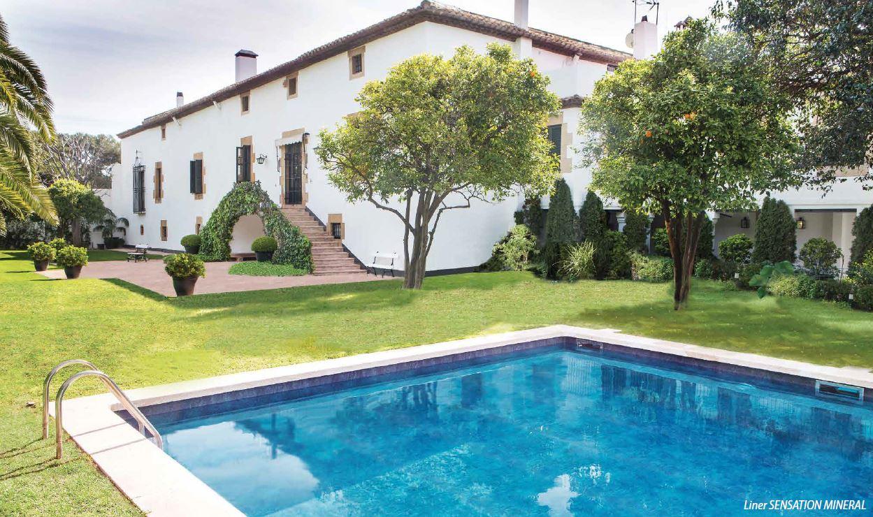 Vous rêvez d'une piscine ? Laissez vous tenter par un modèle balnéo ?